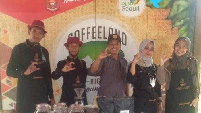Sandiaga Uno Kunjungi Kampung Kopi, Mitra Binaan PLN Turut Andil Dalam Mendorong Ekonomi Kreatif