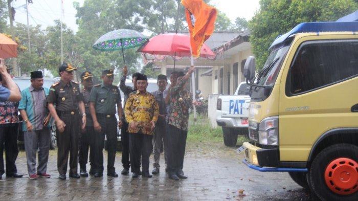 Parosil Resmikan Distribusi Logistik Pemilu Lampung Barat