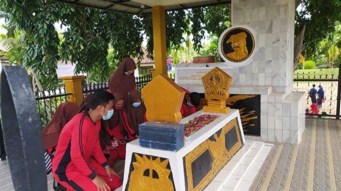 Tempat Wisata di Lampung, Situs Religi Makam Pahlawan Nasional Radin Inten II