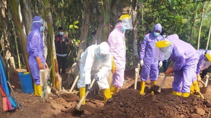 Makamkan 336 Jenazah Pasien Covid-19, Sejumlah Petugas BPBD Pringsewu Lampung Jatuh Sakit