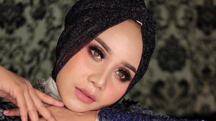 Teknik Make Up Arabian Look, Bikin Mata Tampak Besar dan Tajam, Cocok untuk Wedding atau Photoshoot