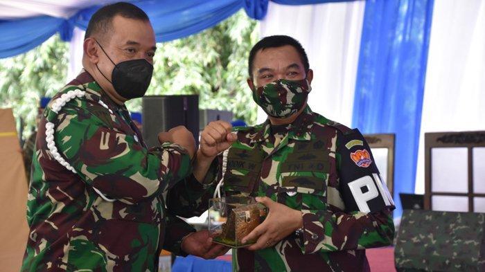 Mayjen TNI Chandra W Sukotjo Resmi Jabat Danpuspomad Gantikan Letjen TNI Dodik Wijanarko