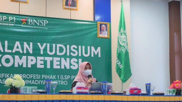 Lembaga Sertifikasi Profesi Pihak 1 (LSP P1) Universitas Muhammadiyah Metro mengadakan pembekalan pra yudisium dan uji kompetensi bagi mahasiswa di Gedung HI UM Metro