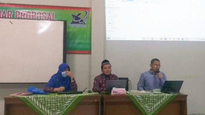 Wakil Rektor IV UM Metro Beri Pembinaan Pembuatan RPS Berbasis Profetik Profesional di FEB