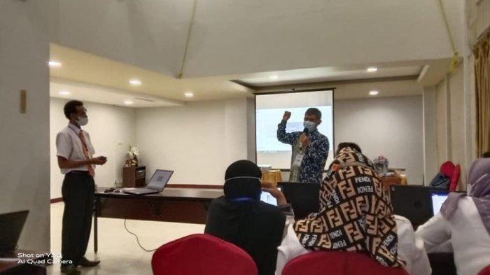 Dosen Universitas Muhammadiyah Metro Beri Pelatihan Cakepsek Tingkat SD dan SMA/SMK Lampung