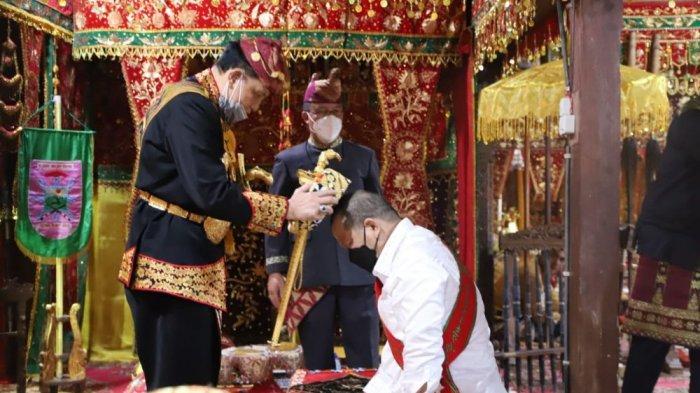 Menilik Prosesi Adat Angkon Muakhi Saat Ketua DPD RI Kunker ke Lampung Barat