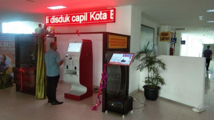 Kini Warga Bandar Lampung Bisa Cetak e-KTP Pakai Mesin ADM