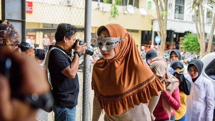 Janda Muda Digerebek Di Hotel Terungkap Karena Gonta Ganti Pasangan Hingga Pasang Tarif Halaman All Tribun Lampung