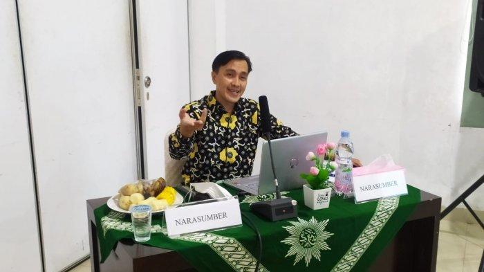 Nedi Hendri UM Metro Berikan Tips Dan Trik Penyusunan Proposal Hibah di UM Bangka Belitung