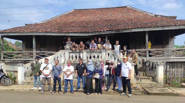 Himas UM Metro dan Pegiat Sejarah Lampung Timur Gelar Hunting History Lampung Timur Area