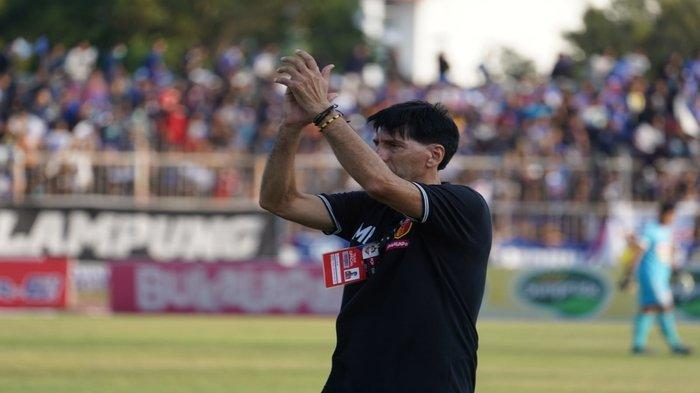 LINK LIVE STREAMING Persib Bandung vs Badak Lampung FC, Milan Petrovic Bakal Rotasi Pemain
