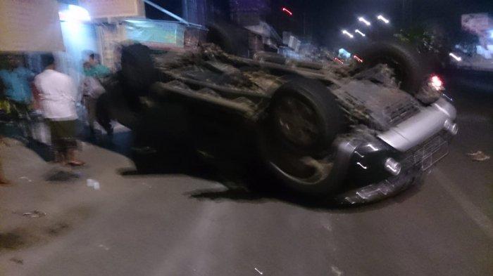 Kasatlantas Beberkan Kronologi Peristiwa Tergulingnya Mobil Berisi 9 Polisi di Jl Antasari
