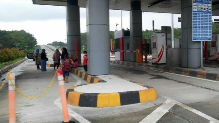 Pakai Satu Kartu Tol untuk 2 Mobil, Rombongan Keluarga Ditahan Tak Boleh Keluar Tol Sidomulyo