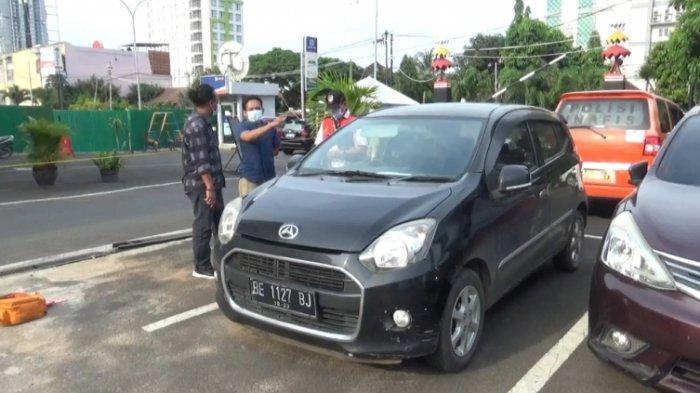 Modus Kejahatan Pecah Kaca Mobil Sedang Marak di Bandar Lampung, Uang Ratusan Juta Raib