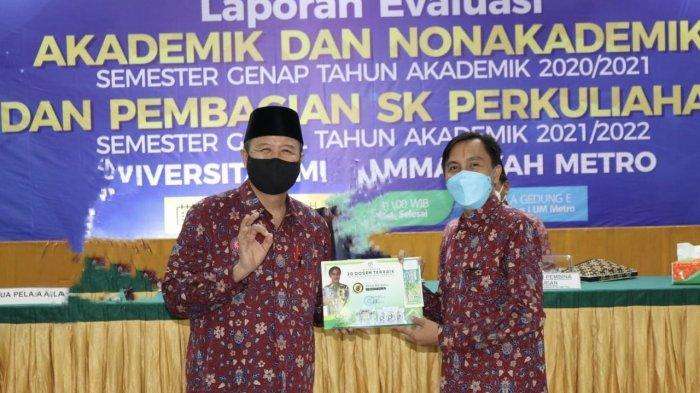 PT Pumakkal Hijau Lestari Berikan Apresiasi kepada Dosen Universitas Terbaik di Sumatera UM Metro