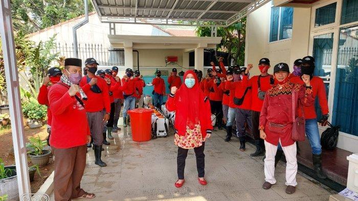Ketua MTRH Lampung Eva Dwiana Pimpin Penyemprotan Disinfektan di Bumiwaras