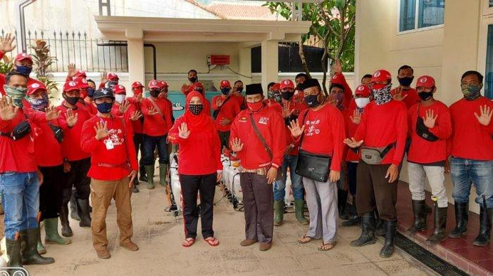 MTRH Lampung Semprot Disinfektan dan Bagikan Masker di 3 Kelurahan Kecamatan Kedaton