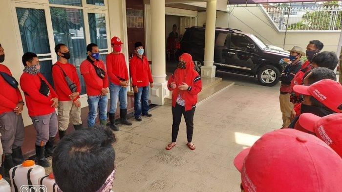Dipimpin Eva Dwiana, MTRH Lampung Semprot Disinfektan di Tiga Kelurahan