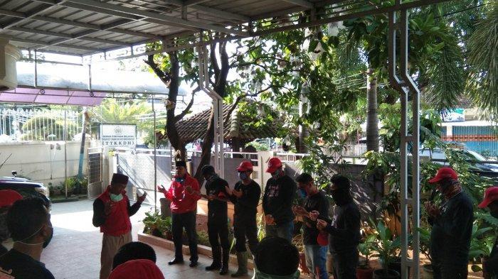 Dipimpin Eva Dwiana, MTRH Lampung Semprot Disinfektan di Telukbetung Timur