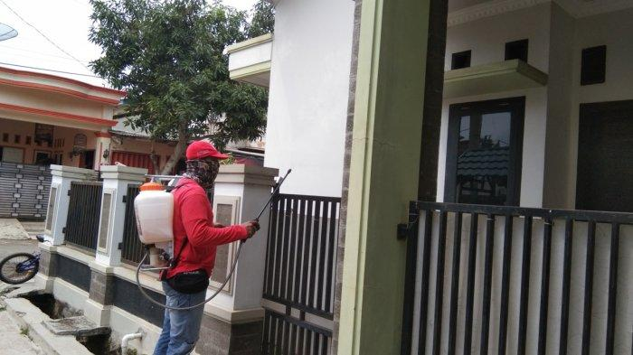MTRH Lampung Semprot Cairan Disinfektan Rumah Warga di 2 Kecamatan di Bandar Lampung