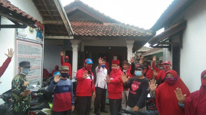 MTRH Lampung Semprot Cairan Disinfektan Rumah Warga di Kecamatan Tanjungkarang Barat