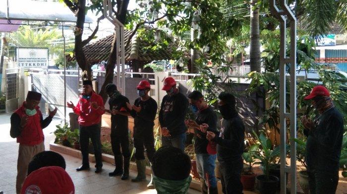 MTRH Provinsi Lampung Semprot Disinfektan dan Bagaikan Masker di Telukbetung Utara
