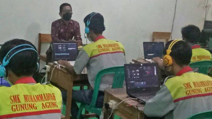 Fikom UM Metro Beri Pendampingan Uji Kompetensi Keahlian di SMKS Muh Gunung Agung Tubaba