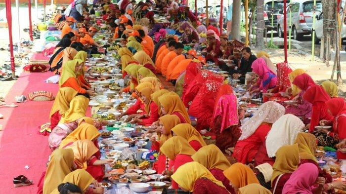 Mulai Sayur Asam Hingga Lalapan, Pangan Agung Warnai Festival Teluk Semaka 2019