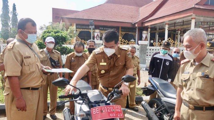 Musa Ahmad Beri Motor untuk Penyuluh di 28 Kecamatan