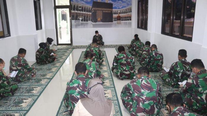 Kolonel Inf Romas Herlandes Gelar Doa Bersama di Musala Palapa Kodim