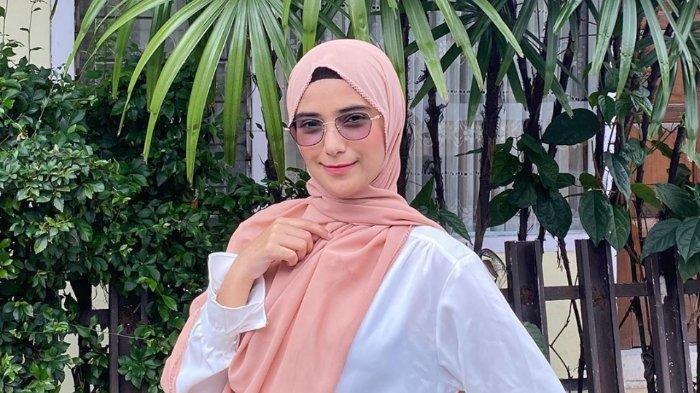 Artis Nadya Mustika Rahayu Perutnya Membesar dan Makin Cantik