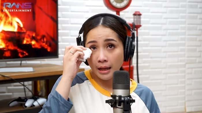 Zaskia Sungkar Bingung Lihat Nagita Slavina Nangis saat Jenguk Anaknya