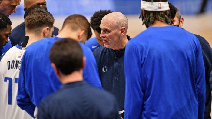 Ilustrasi, NBA 2021, kabar datang dari kepala pelatih, Rick Carlisle yang mundur dari Dallas Mavericks.