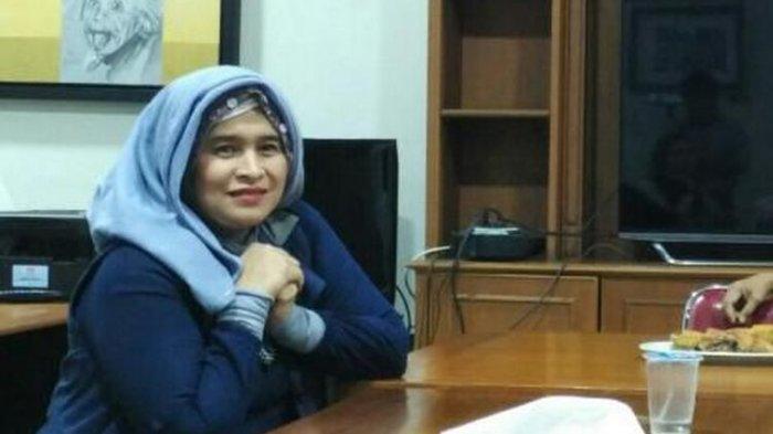Bawa Kartu Pers dan Ngaku Wartawan, Neno Warisman Dilarang Masuk di Ruang Sidang Rizieq Shihab