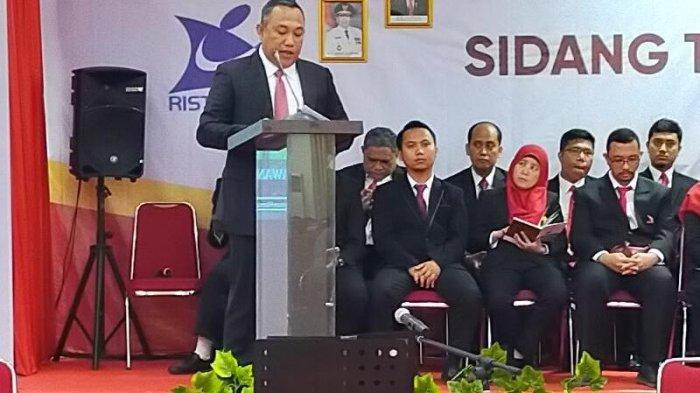 Bupati Tubaba Umar Ahmad Sampaikan Orasi Ilmiah di Wisuda Program Sarjana Itera