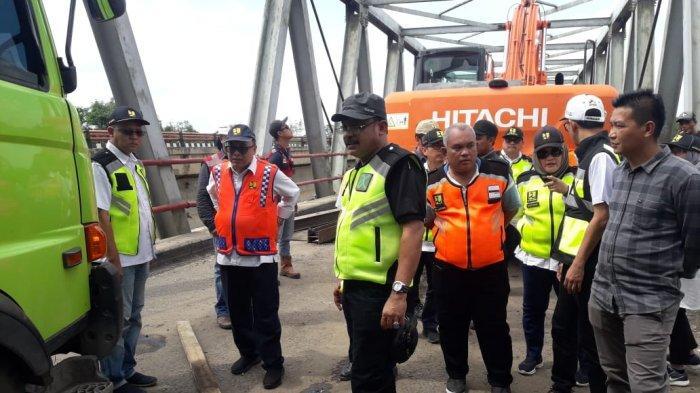 Truk Masih Proses Evakuasi, Jalintim Belum Bisa Dilintasi Kendaraan dari Palembang dan Lampung