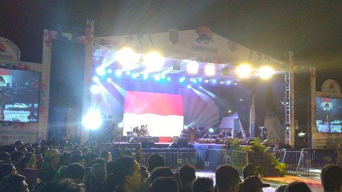 Usai Dibuka Gubernur Lampung M Ridho Ficardo, Band Padi Reborn Langsung Hentak Lampung Fair 2019
