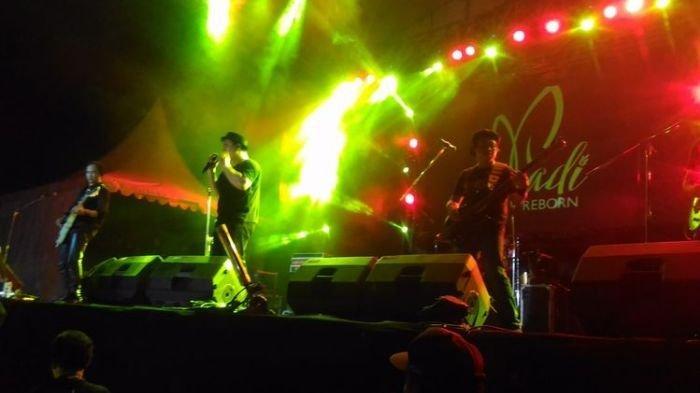 Arti Mimpi ke Festival Musik, Waspada Soal Keuangan