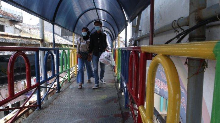 Pagar JPO Ramayana Bandar Lampung Dicat Warna-warni