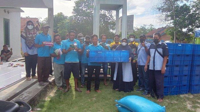 Pakdakan Ulam Adi Jaya Mesuji Lampung Dapat Bantuan 30 Pasang Indukan Ikan Cupang
