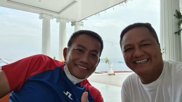 Pangdam II Sriwijaya Mayjen TNI Agus Suhardi (kiri) bersama owner Tegal Mas Thomas Azis Riska.