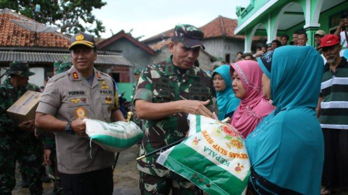 UPDATE TSUNAMI LAMPUNG - Pangdam II Sriwijaya-Kapolda Lampung Pantau Lokasi Terdampak Tsunami