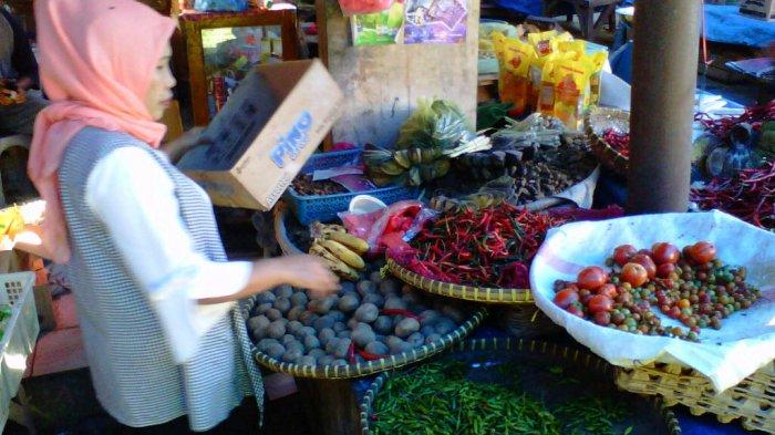 Harga Cabai Merah Turun Rp 10 Ribu Jadi Rp 20 Ribu per Kg di Pasar Gisting