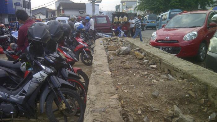 Takut Tambah Macet, Pedagang Pasar Tugu Tolak Pembuatan Pagar
