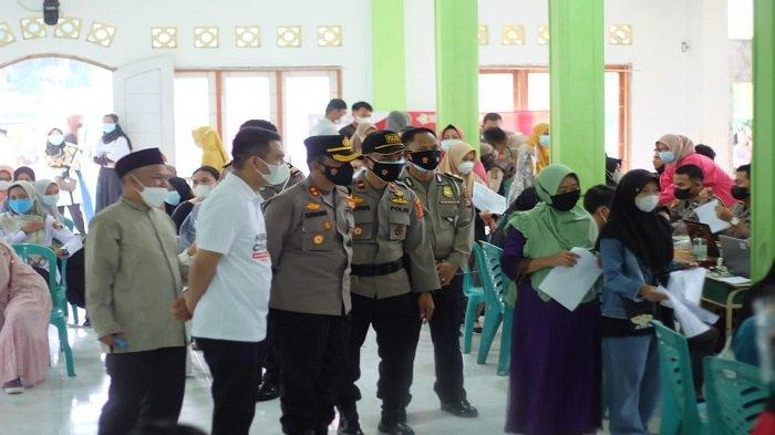 Pastikan Proses Vaksinasi Lancar, Kapolres Lampung Utara Tinjau Langsung ke Lapangan