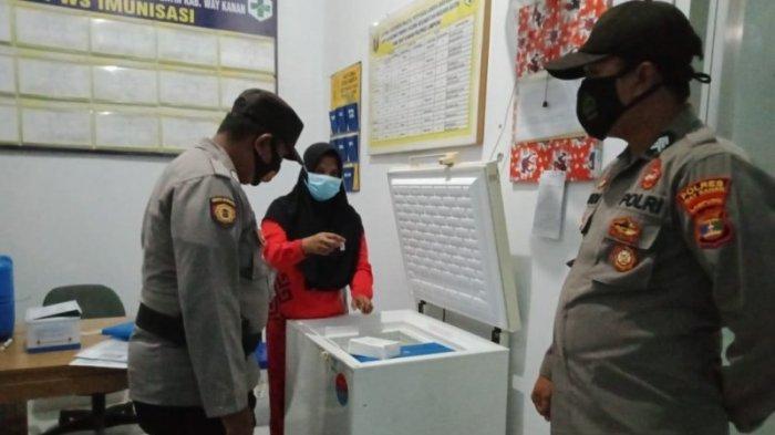 Patroli Malam, Polsek Negara Batin Cek Stok Vaksin Covid-19 di Fasilitas Kesehatan