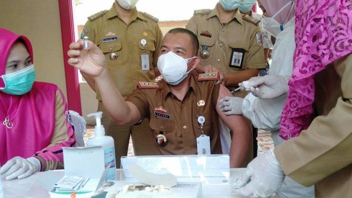 Pejabat dan Tokoh Masyarakat Jadi Penerima Vaksin Covid-19 Perdana di Tulangbawang
