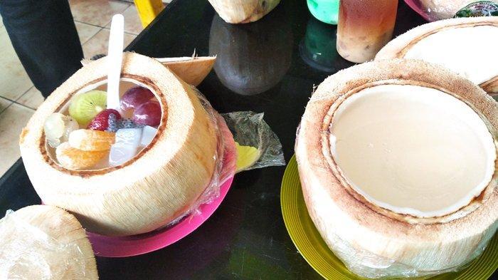 Pelaku UMKM di Bandar Lampung Tawarkan Minuman Air Kelapa Muda Pakai Jeli Segar