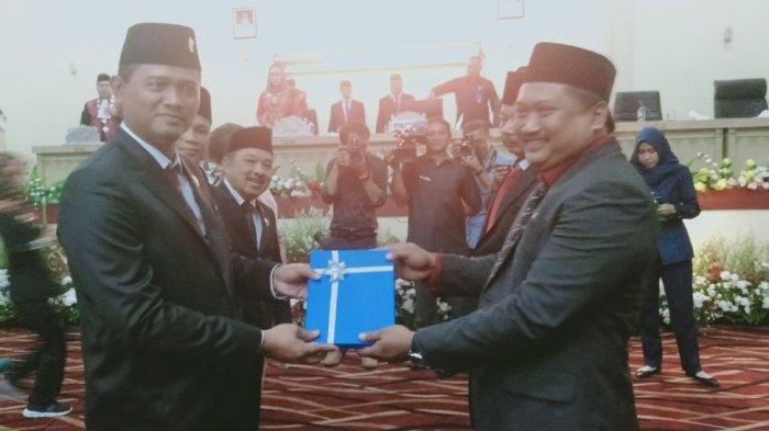 Terganjal Tatib, Pelantikan Pimpinan Definitif DPRD Tulangbawang Molor