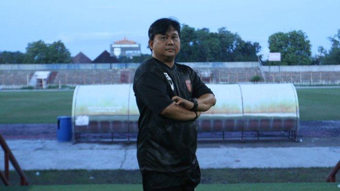 Pelatih Budiarjo Thalib Optimistis Badak Lampung FC Naik ke Liga 1